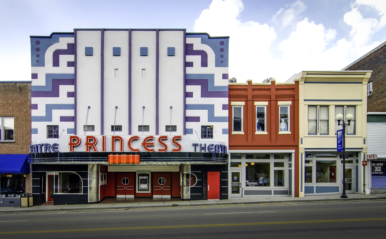 The facades of the Princess Theatre and the adjoining buildings were restored to their original appearance.  The Marquee was reconfigured to its original shape.