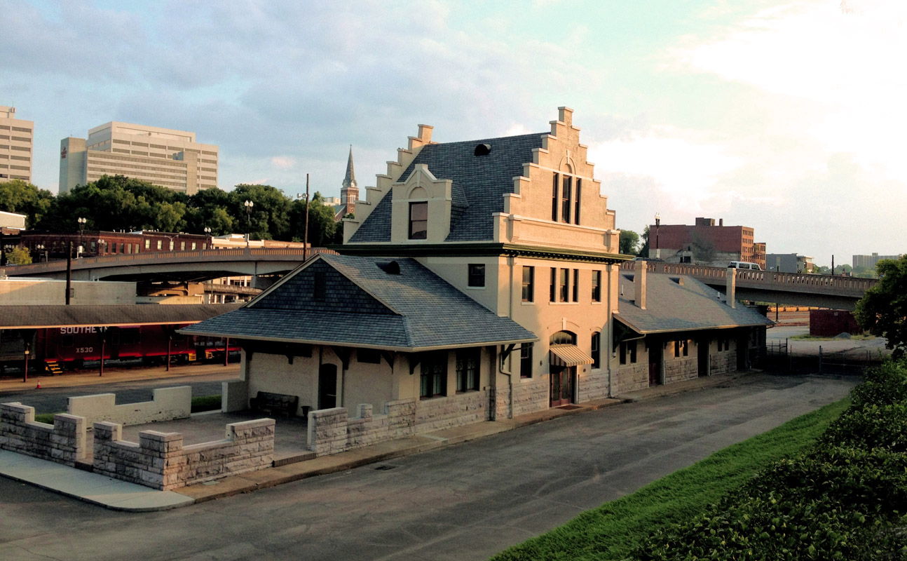 Adjacent to the main rail yard of the city, it served as the Knoxville freight depot for the Southern Railway from 1904, when it was built, until the mid 1960s when passenger rail service was discontinued as a result of the shrinking population of farm centers and the rise of alternate economic and distribution systems in the region.