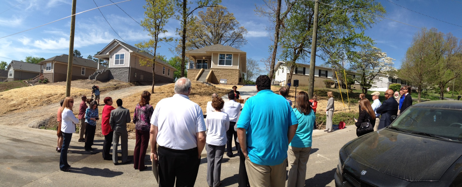 Ribbon cutting ceremony for the house at 3435 Bishop street
